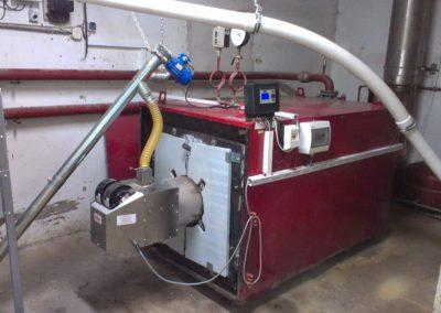 podajnik do  transportu pelletu z silosu do zbiornika przykortłowego